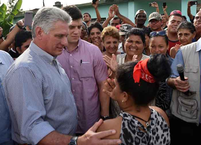 El presiente cubano intercambió con pobladores del municipio de Florida. (Foto: Estudios Revolución)
