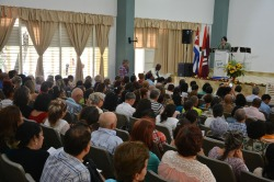 la Dr. C. Isabel Cristina Torres Torres interviene en el acto de entrega y recepción del cargo de Rector de la Universidad de Holguín, efectuado el 12 de enero de 2019. UHo FOTO/Luis Ernesto Ruiz Martínez
