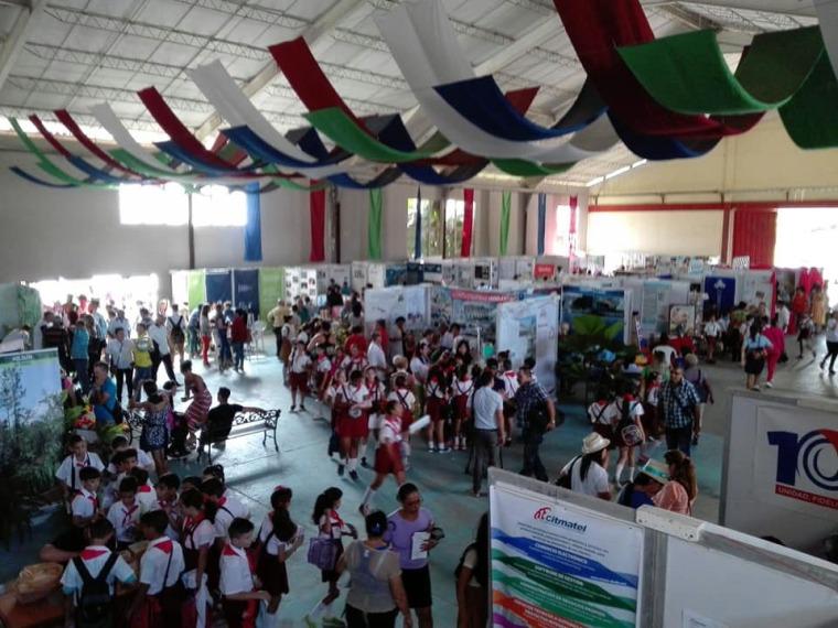 Área expositiva en Expociencia 2019. Foto: Lisneth Rodríguez Hernández.