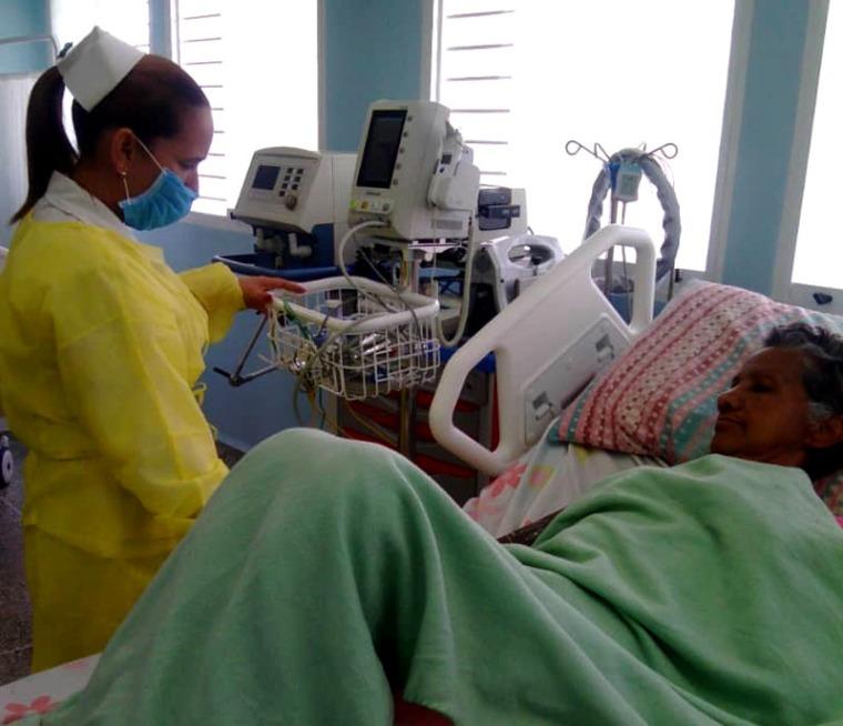 Las enfermeras del CDI Cipriano Yerena aportando su granito de arena a la Revolución Bolivariana.