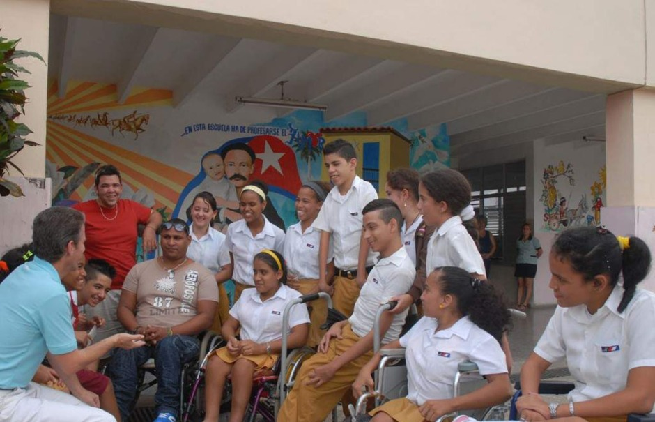 La Escuela Solidaridad con Panamá . Es un centro diseñado para niños de preescolar a noveno grado con impedimentos físico-motores o retraso mental, el centro es único de su tipo en el país.